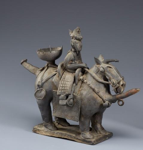 Verseuse en forme de cheval avec son cavalier, Royaume de Silla, Ve siècle, Terre cuite, H. 26,8 cm et 23,4 cm, National Museum of Korea (Trésor national N°91) © National Museum of Korea