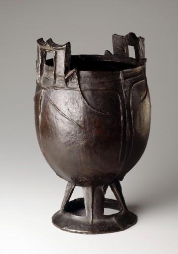 Chaudron en bronze xiongnu, 3e – 1er s. av. J.-C. Mongolie. Copyright Musée Barbier-Mueller, photo Studio F. Bouchet.