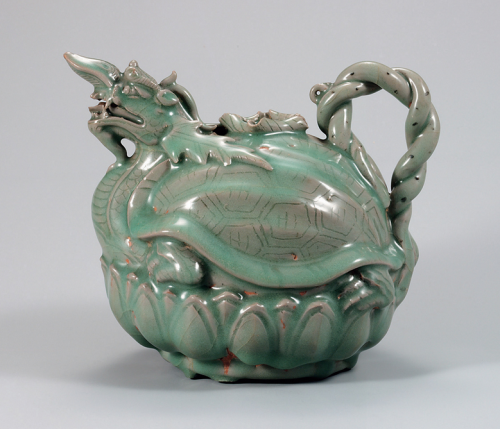 A turtle-dragon celadon pitcher Goryeo, XII century Stoneware under celadon glaze, engraving, stamping National Museum of Korea National Treasure No. 96